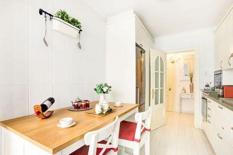 Apartamento coqueto, de lujo frente al mar. Situado en el hoy exclusivo barrio de pescadores de Cimadevilla, en Gijón, este apartamento dispone de todas las comodidades poara una estancia agradable y con total privacidad. el apartamento dispone de 2 ...