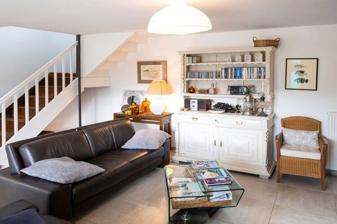 Experience the calmness and tranquillity while staying in this beautiful holiday home in Saint-Quay-Portrieux, Brittany. There is a garden with furniture for relaxation and chilling. There are 3 bedrooms for 6-people. This place is ideal for a group ...