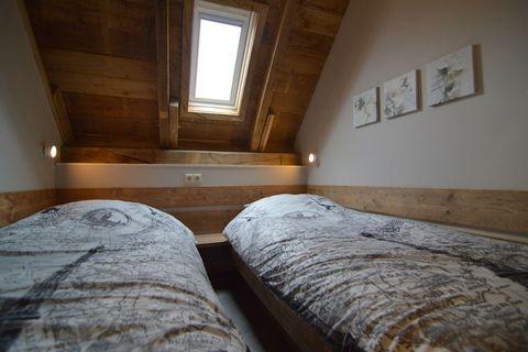 Deze moderne, stijlvol ingerichte boerderij staat op het platteland van Nieuwleusen in Overijssel. De woning beschikt over 3 slaapkamers en is ideaal voor een groot gezin. In de privétuin geniet u van de rustige omgeving en in de sauna kun je helemaa...