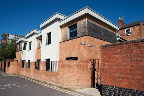 Portfolio of commercial properties for sale in Gloucester UK Euroresales Property ID – 9826412 Property Location Quire Court Apartments, Hare Lane, Gloucester, GL1 2BE Property Overview Here we present an excellent portfolio of properties. Informatio...